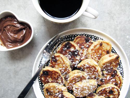 Mini Peanut Butter Ricotta Pancakes // take a megabite