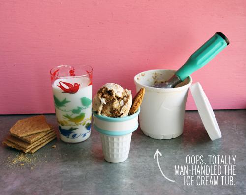Graham Crackers and Milk Ice Cream // take a megabite