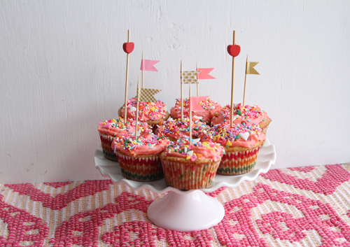 Vanilla Party Cupcakes // take a megabite