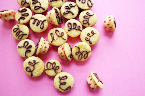 Mandarin Mini Muffins // take a megabite