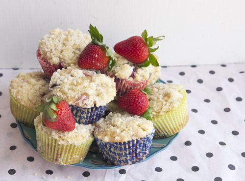 Berry Buckle Muffins // take a megabite