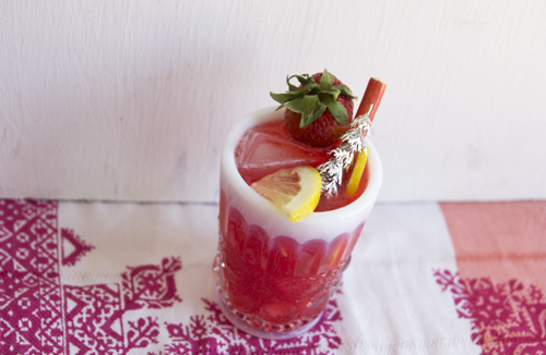 Strawberry Rhubarb Lemonade // take a megabite
