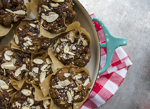 Vegan Zucchini Muffins // take a megabite