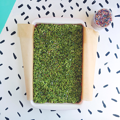 Matcha Rice Krispie Treats // take a megabite
